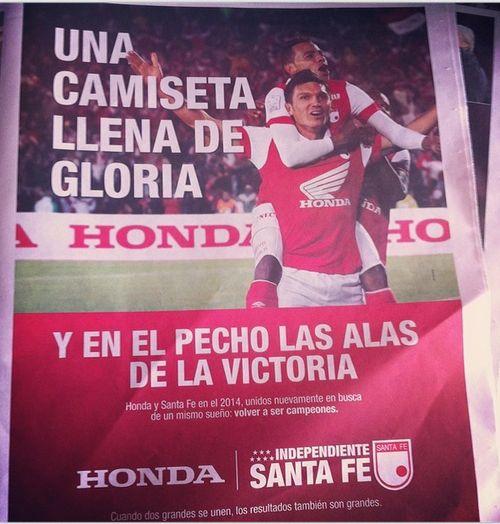 Una camiseta llena de gloria  Y en el pecho las alas de la victoria. #IndependienteSantaFe #Honda