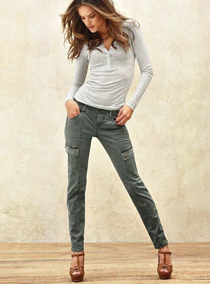 If we had a VS store somewhere closer than across the border, I'd be there in 2 seconds flat to get these pants! Skinny cargos... genius!