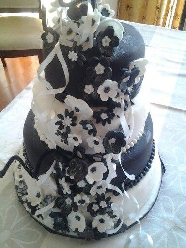 4 tier vanilla and carrot wedding cake