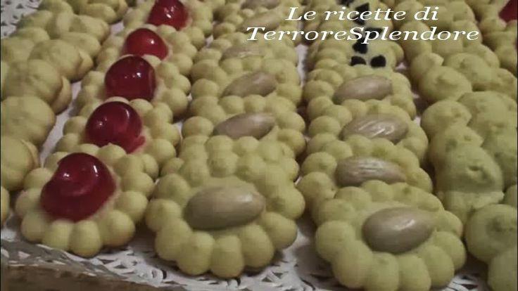 Le ricette di TerroreSplendore: Biscotti di frolla montata con sparabiscotti