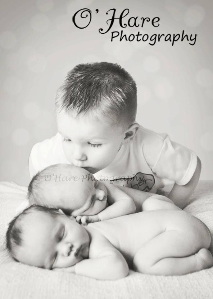 Twin newborns and older brother...reminds me of my son and his younger twin sisters when they were born.❤️