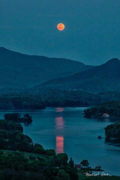 Beautiful Lake Chatuge, Hiawassee, Georgia.
