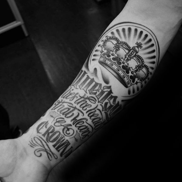50 Traditional Crown Tattoo Designs For Men Old School Ideas Tattoo Designs Men Crown Tattoo Men Crown Tattoo Design