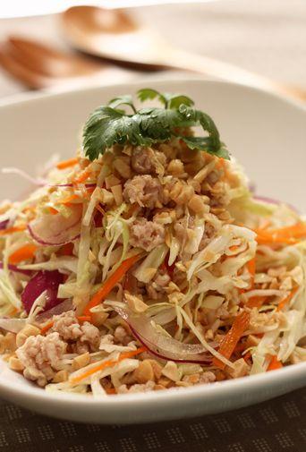 鶏ひき肉とキャベツのベトナム風サラダ
