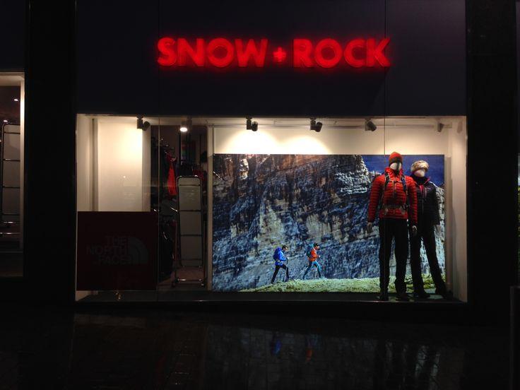 Snow+Rock at night in Leeds - November 2014