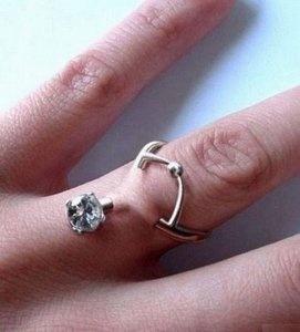 Piercings: Ring finger