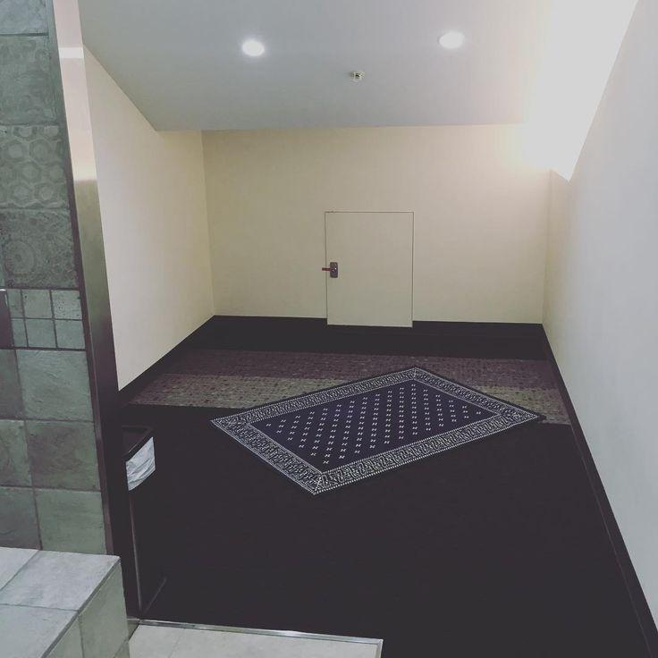 mushola di basement