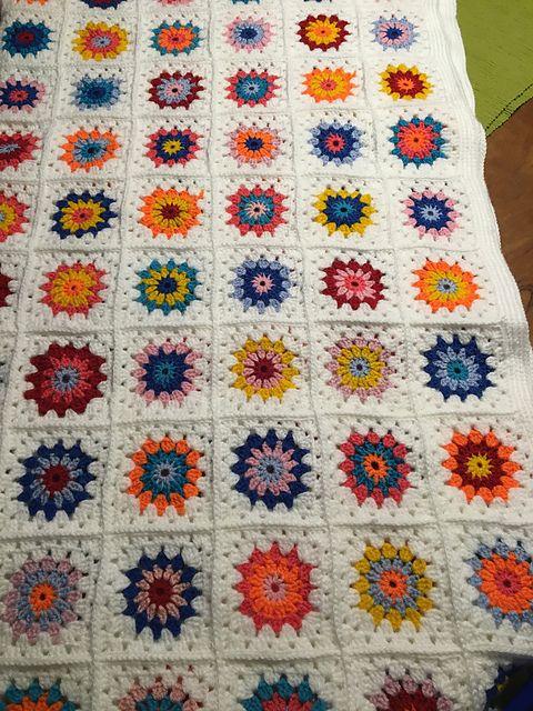 12 Best Sunburst Granny Square Blanket Free Crochet Pattern