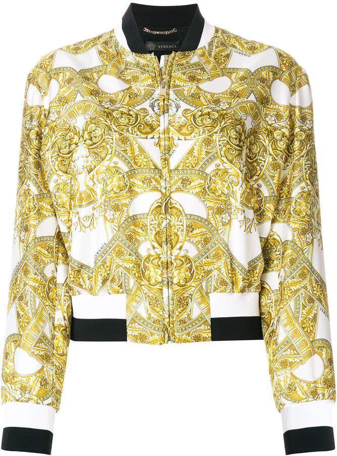 6edb54bf24b3 Versace baroque print bomber jacket Vestes Cultivées, Blousons Blomber, Veste  Versace, Veste Imprimée