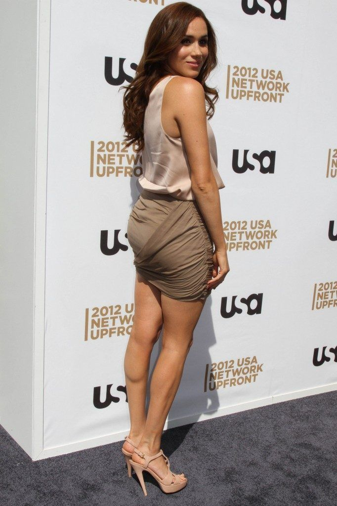"""hot-miniskirts: """"Gorgeous Meghan Markle looking HOT in a mini dress. Check out more beautiful ladies at http://hotminiskirts.oohlala.club """" I ❤️ her tight mini skirt and high heels, she has sexy legs... #hothighheelstightdresses"""