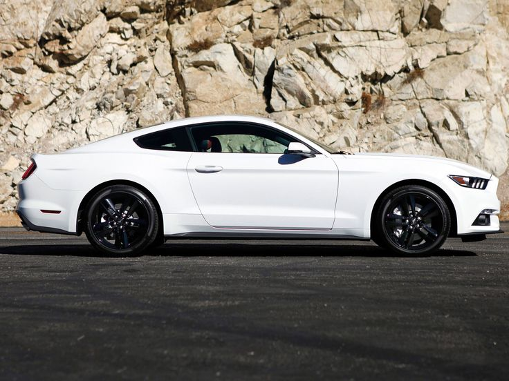 the 2015 ford mustang i want this in laser blue matte black stripes - Ford Mustang Gt 2015 White