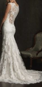 gorgeous, front and back! Gorgeous wedding dress! we are in love! http://gonecountrychicwedding.com #wedding #dress