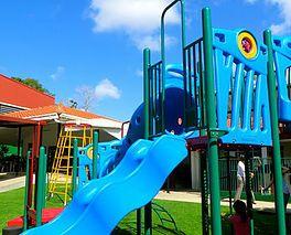 Los mejores parques infantiles en panama -fabricados en los EEUU a su gusto, toboganes, swings, parques para mascotas