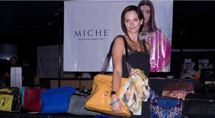 Hollywood's got MICHE fever. Miche was sharing the love at pre-Emmy events this weekend! This is Boti Bliss from CSI Miami. FASHION & FUN! #emmys #miche #fallfashion #emmys2014