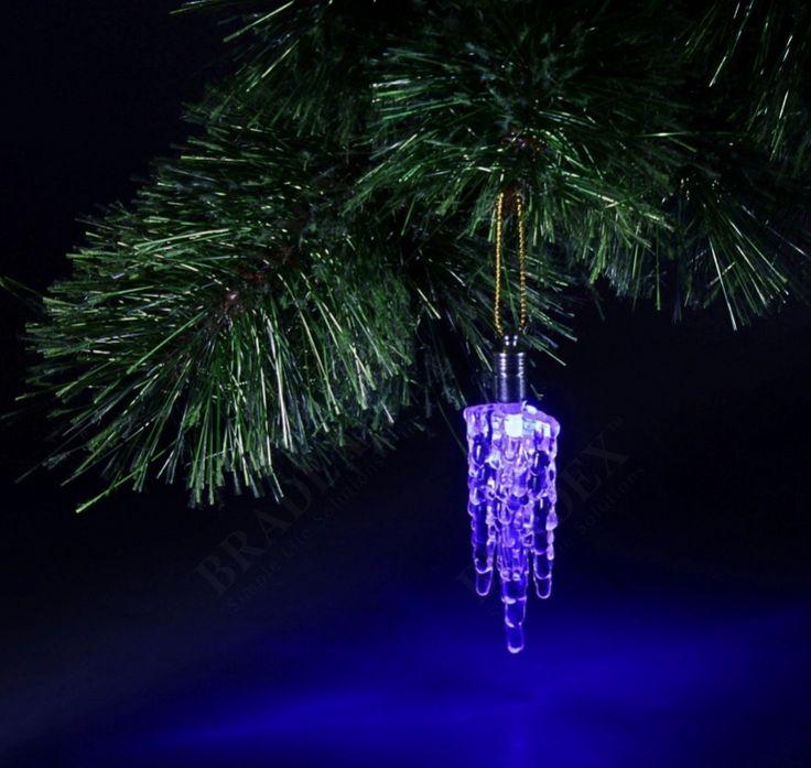 Игрушка новогодняя световая «ЛЬДИНКА» АРТИКУЛ: SU 0022 Оригинальная и красивая световая подвеска-льдинка станет прекрасным дополнением к праздничному декору. Она работает от батареек и не зависит от розеток, поэтому ей найдется место где угодно – на люстре, полках и кашпо. Удобное крепление-петелька позволяет размещать это украшение где угодно! #bradex#подарки#gift#bradexвподарок#креатив#креативный#подарок#подарокмужу#подарокпапе#подарокпарню#подарокдругу #праздничноенастроение…
