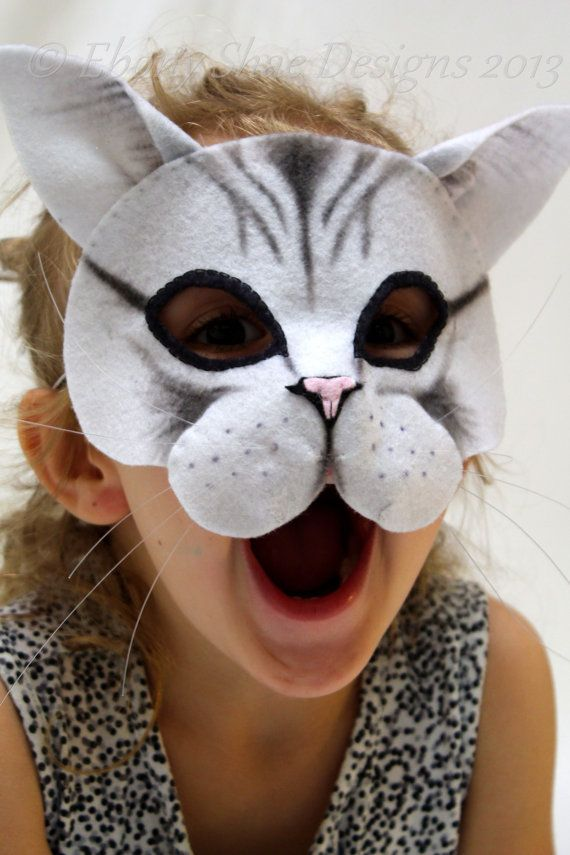 Miow!  You can make your own cute and friendly cat mask. Soft felt conforms to the face and helps your cat mask sit comfortably. Elastic band at the