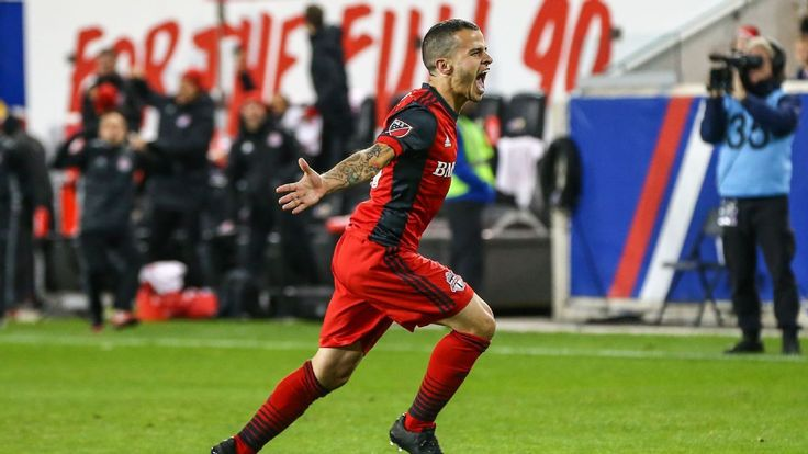 Toronto's Giovinco 'doesn't know what to do' to earn Italy call-up - agent