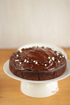 gâteau chocolat buttermilk, nappage chocolat -- buttermilk chocolate cake with chocolate icing