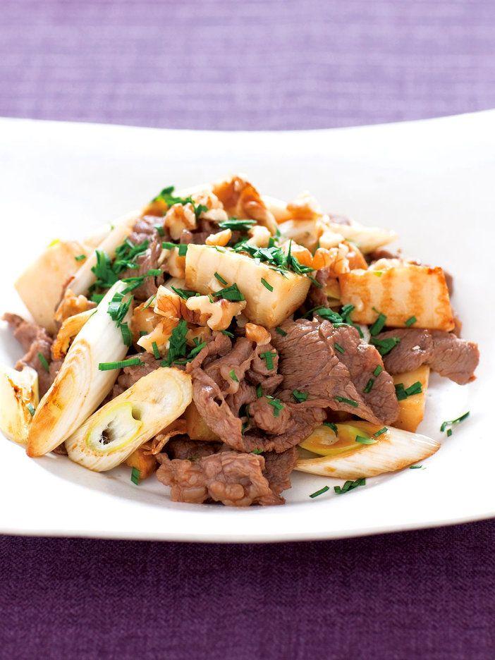 【ELLE a table】牛肉とたけのこ・長ねぎの炒め物レシピ|エル・オンライン