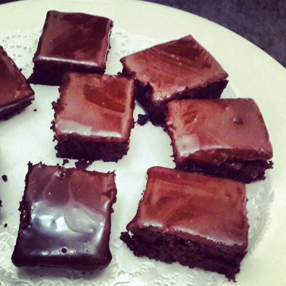 #chocolatebrownies while having friends over