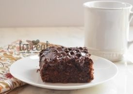 Побалуйте себя вкусненьким! Шоколадно-банановый пирог с нотками кофе и кокоса - аппетитный, уютный и очень простой десерт. Со стаканом