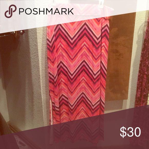 """Pink chiffon maxi skirt Pink purple and white maxi skirt with chiffon pattern. Brand """"Ana"""" Boohoo Skirts Maxi"""