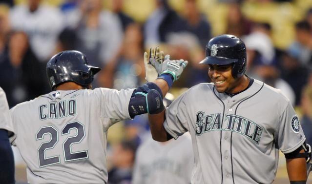 Curz se va para la calle y Canó pega dos hits en triunfo de Seattle ante San Diego
