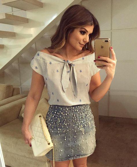 Look todo @donnaritzoficial Muitooo amor pela saia jeans bordada de pérolas