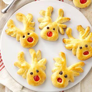 Overnight Reindeer Rolls http://www.tasteofhome.com/recipes/overnight-reindeer-rolls