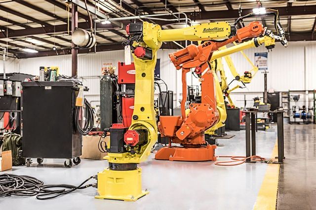 FANUC ArcMate 120iBe at RobotWorx