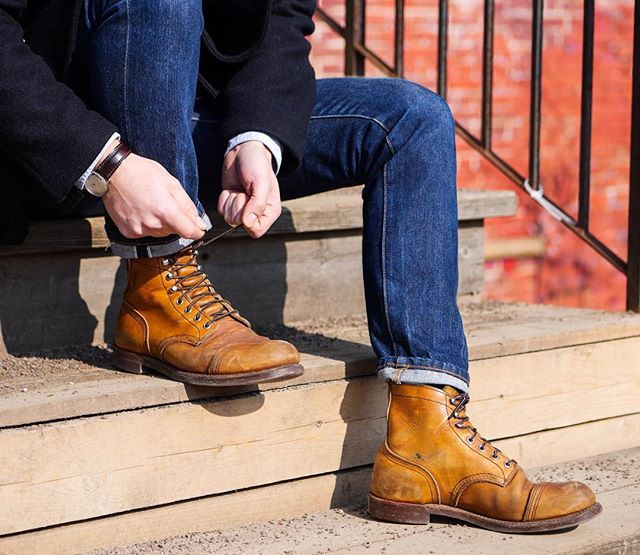 Lace 'em up! Just like these 3 year old 8112 Iron Ranger. Take your Red Wings for a walk and enjoy some quality time with your loved ones.  Have a great weekend, your Red Wing Berlin/Hamburg/Munich Team  #redwing #8112 #redwings #redwingheritage #redwingshoes #myredwings #redwingbhm #rwssbhm #weekend #heritage #madeinusa #redwingboots #patina #berlin #hamburg #munich