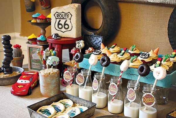 """Vintage """"Radiator Springs"""" Cars Themed Birthday Party // Hostess with the Mostess®"""