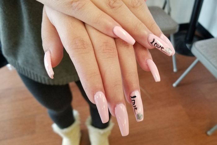 Gelnägel lange Daisies Nails