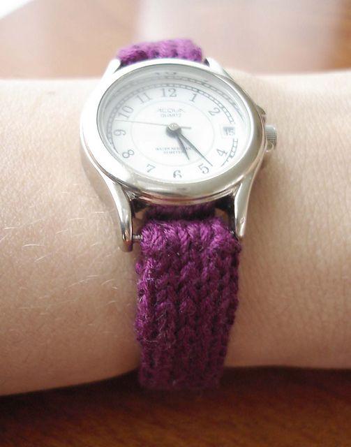 Ravelry: Watch Strap pattern by Maggie van der Stok.  Free pattern