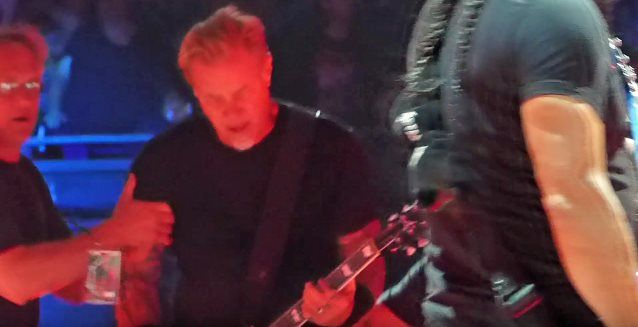METALLICA's JAMES HETFIELD Falls On Stage At Amsterdam Concert, Narrowly Avoids Serious Injury (Video) Read more at http://www.blabbermouth.net/news/metallicas-james-hetfield-falls-on-stage-at-amsterdam-concert-narrowly-avoids-serious-injury-video.html#HOwO02hbT6uauLlC.99