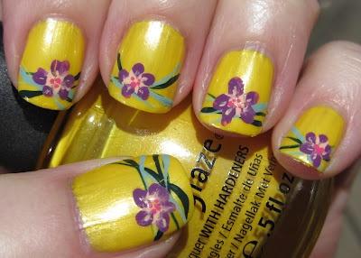 Small purple one-stroke flowers on yellow - små lilla blomster på gult