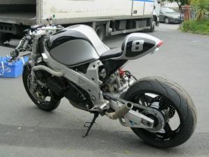 Dogsville Suzuki TL1000 R cafe racer, Rule Shaker moto custom deportiva