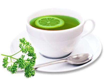 Ceaiul de pătrunjel se bea pentru slăbit, curăţarea sângelui şi a rinichilor…