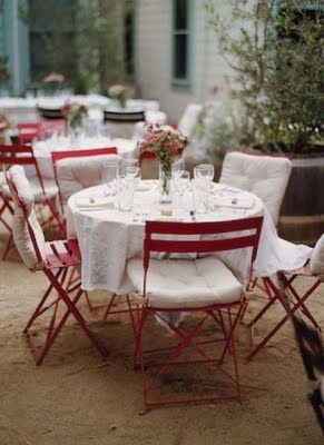 xo: Alfresco, Idea, Bistro Tables, Sweet Tables, French Bistros Chairs, Red Chairs, Gardens Chairs, Gardens Parties, Cafe Tables