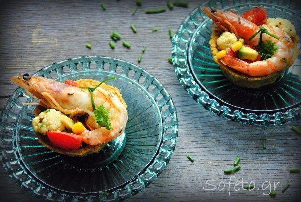 """Τραγανά μπολάκια """"κεχροκουκάκια"""" από κουκιά και κεχρί, γεμισμένα με λαχανικά και γαρίδες, χωρίς γλουτένη!"""