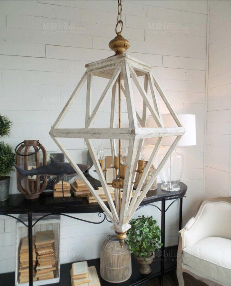 Oltre 25 fantastiche idee su lampadario moderno su for Lampadario legno moderno