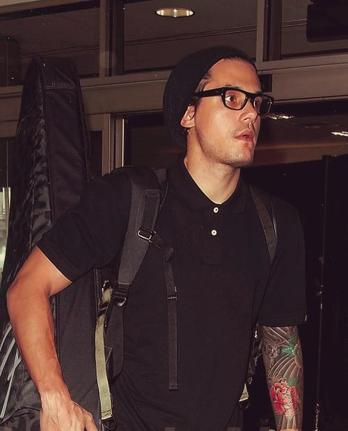 Seriously, JM with glasses is the sexiest thing I've ever seen in the history of ever.