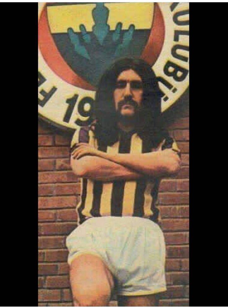 Galatasaray Lisesi mezunu ama Fenerbahceli Baris Manco