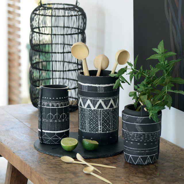 Des vases peints avec des motifs ethniques / diy décoration ethnique