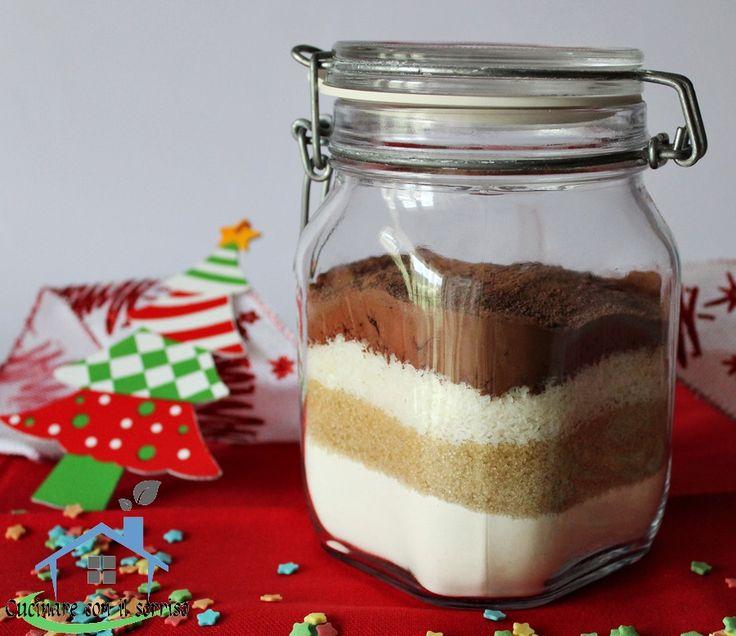 Il preparato per torta bounty donerà un gustoso dolce al sapore di cioccolato e cocco, regalo perfetto per e prossime festività natalizie.
