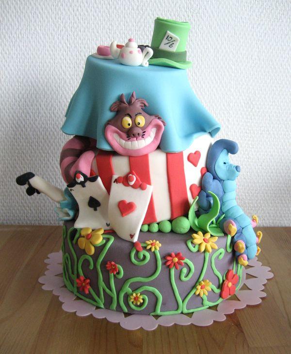 alice in wonderlandWonderland Parties, Theme Parties, Cake Design, Alice In Wonderland, Parties Cake, Cake Decor, Wonderland Cake, Birthday Cake, Aliceinwonderland