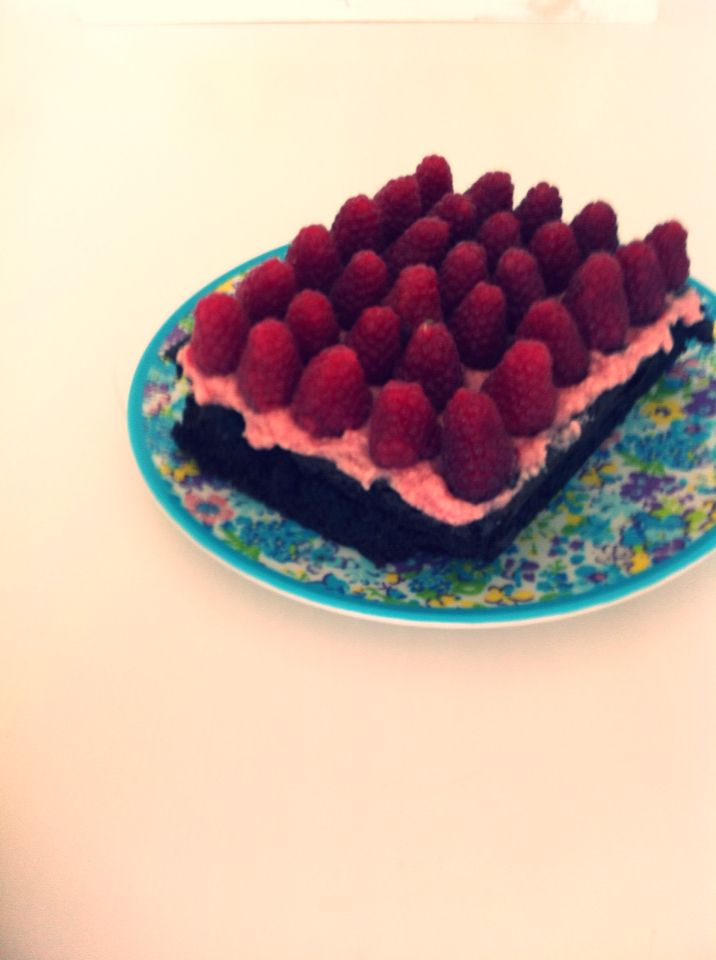This was so good, I've made this by my own. brownie topped with rasberry cream and fresh rasberry's!! | Felies01 |