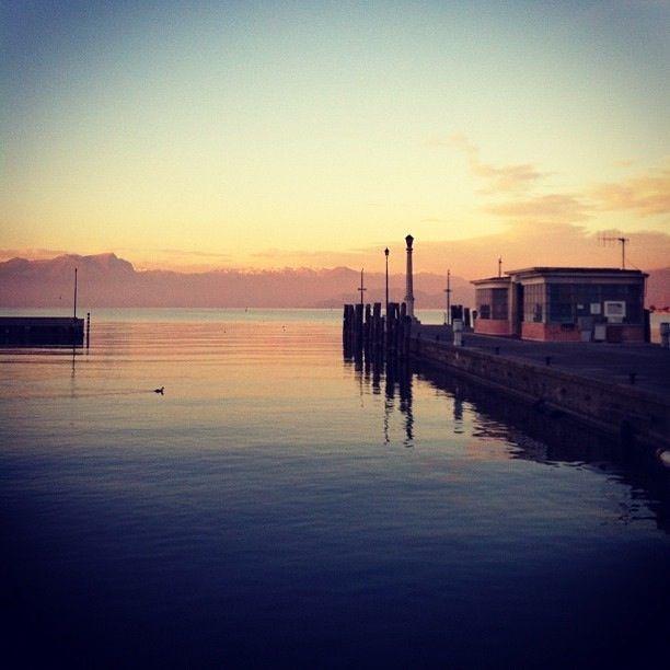 Lago di Garda visto da Peschiera del Garda.