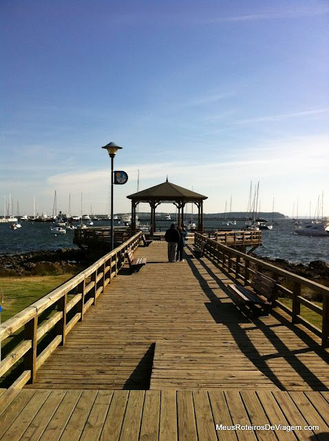 Pérgola & muelle de madera sobre el puerto de Punta del Este - Uruguay