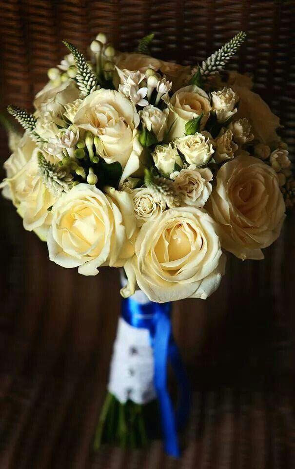 Bridal bouquet,  white roses, www.santoweddingsbymk.com